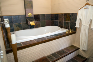 The Carriage Suite Tub